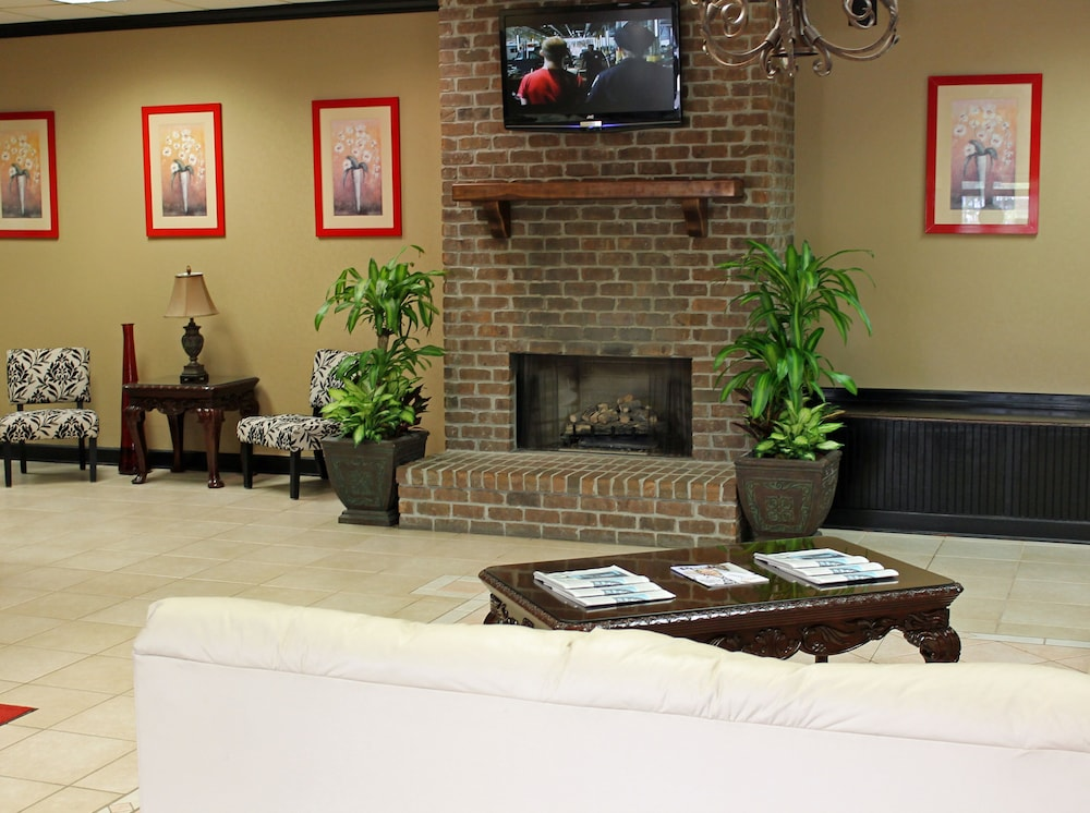 Lobby Sitting Area, Cottonwood Suites Savannah Hotel & Conference Center