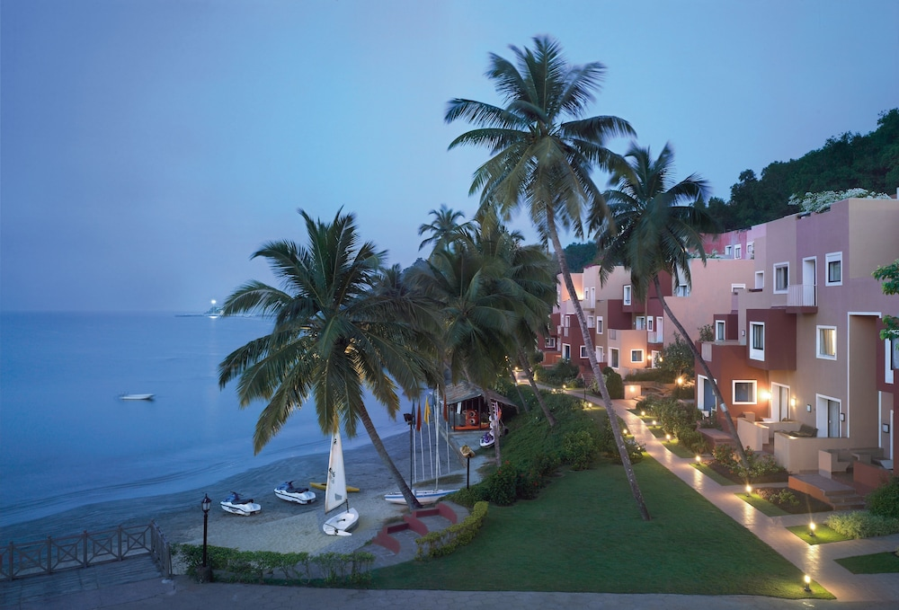 View from Property, Cidade De Goa - IHCL SeleQtions