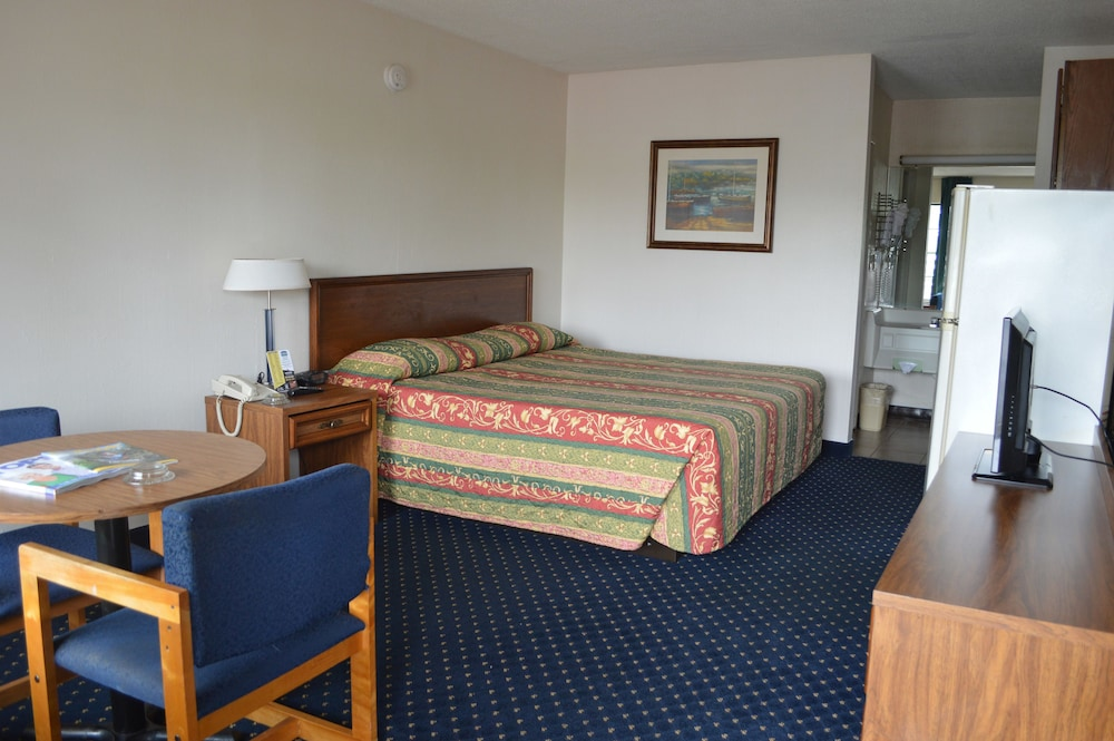 Room, Bluegrass Extended Stay Hotel
