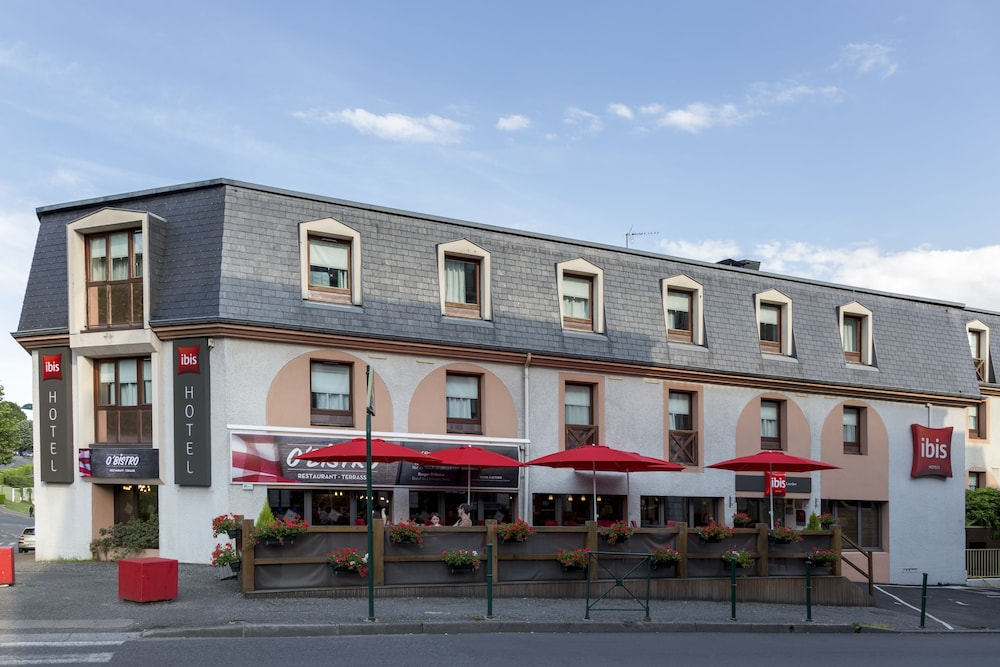Front of Property, ibis Lourdes