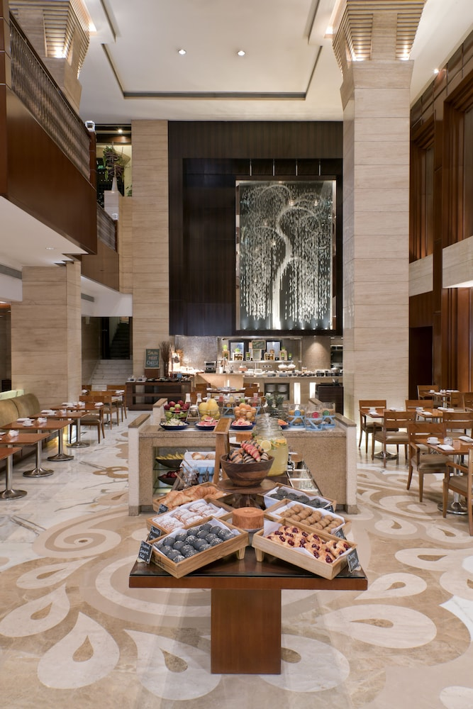 Breakfast buffet, Hyatt Regency Delhi