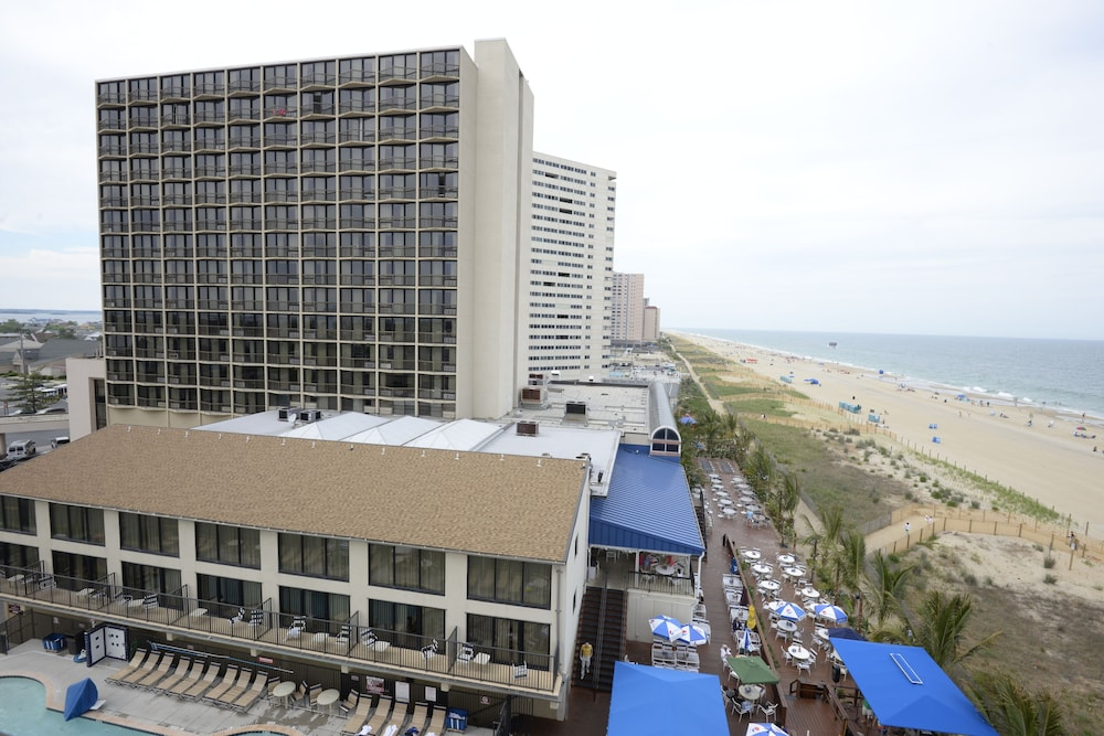 Clarion Resort Fontainebleau Hotel - Oceanfront in Ocean City | Hotel Rates & Reviews on Orbitz