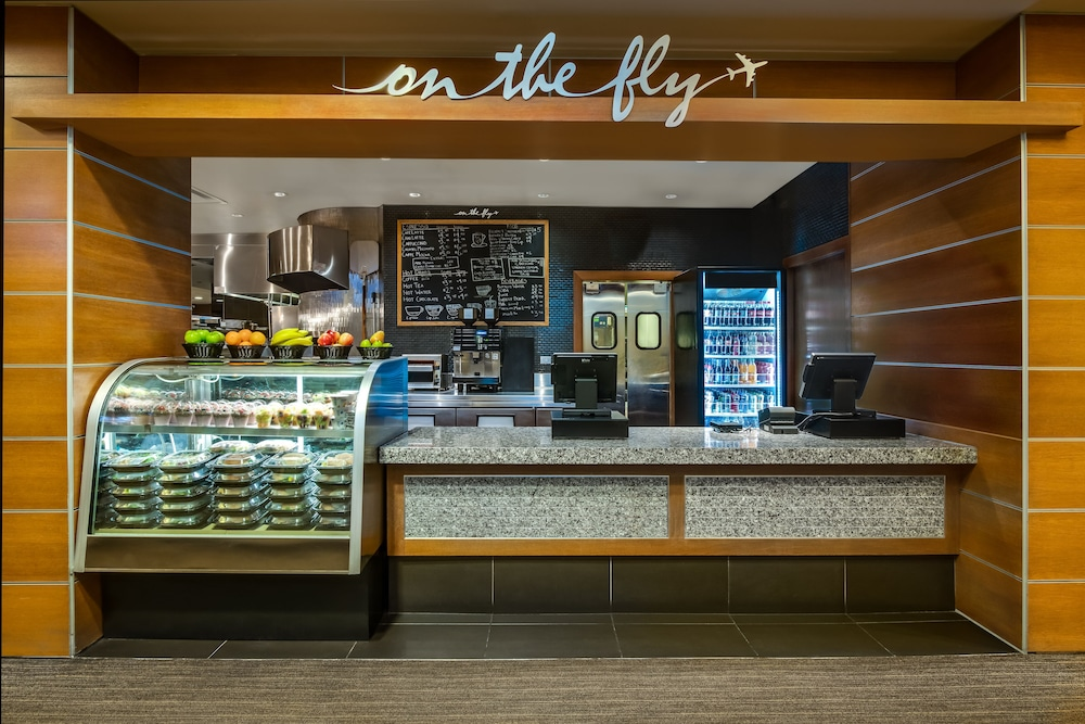 Cafe, Crowne Plaza Hotel Chicago O'Hare