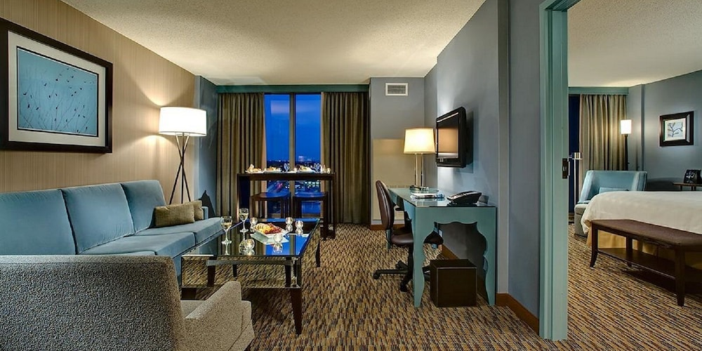 Room, Crowne Plaza Hotel Chicago O'Hare
