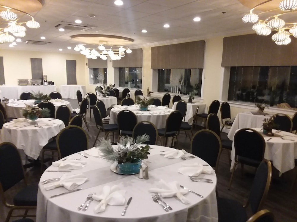 Banquet Hall, Lakeside Inn