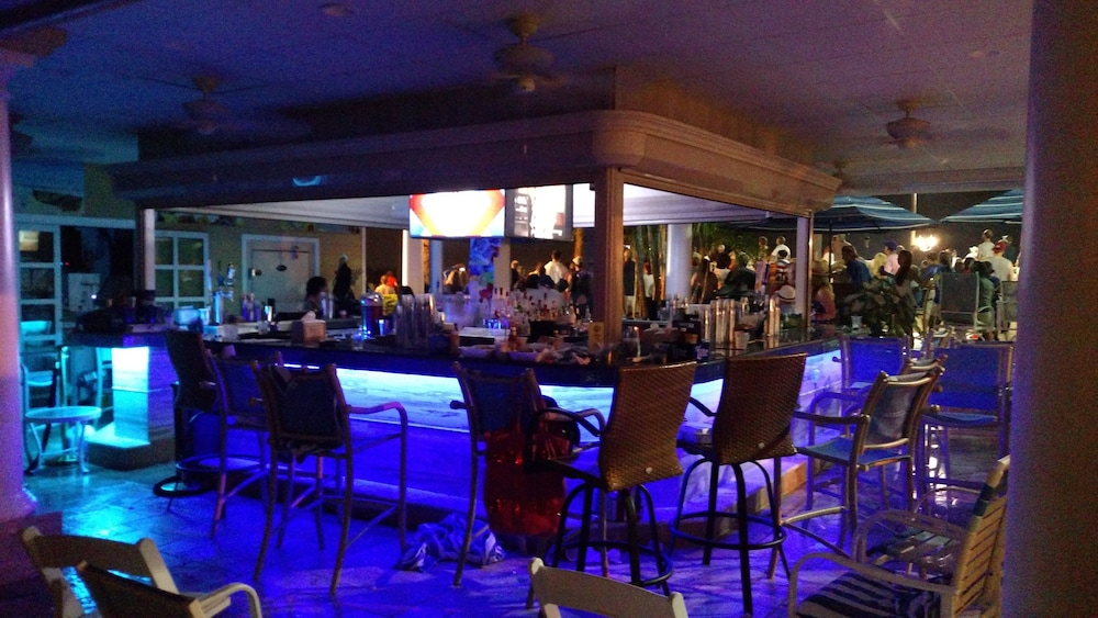 Poolside Bar, Safety Harbor Resort & Spa Trademark Collection by Wyndham