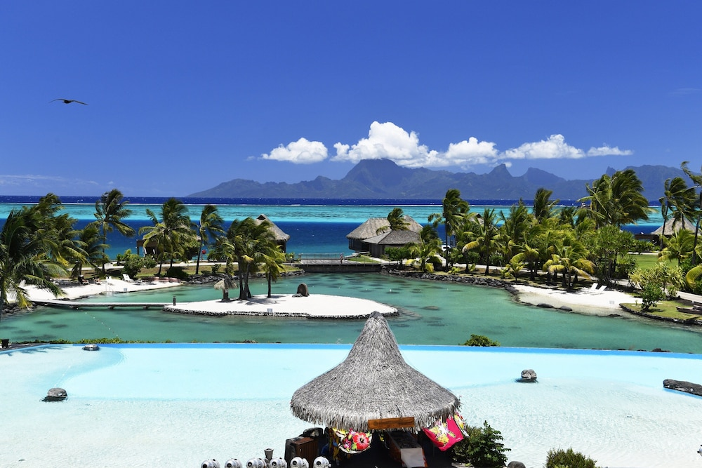 Pool, InterContinental Resort Tahiti