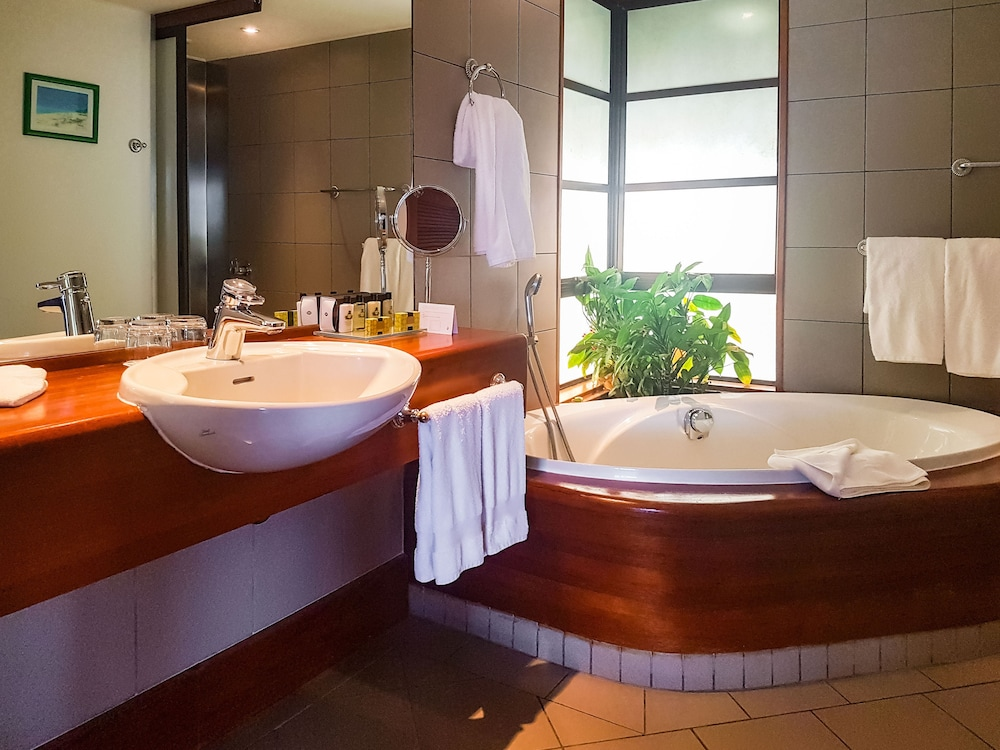 Bathroom, InterContinental Resort Tahiti