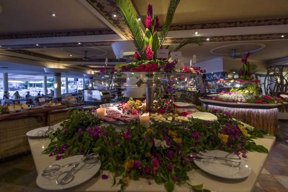 Buffet, InterContinental Resort Tahiti