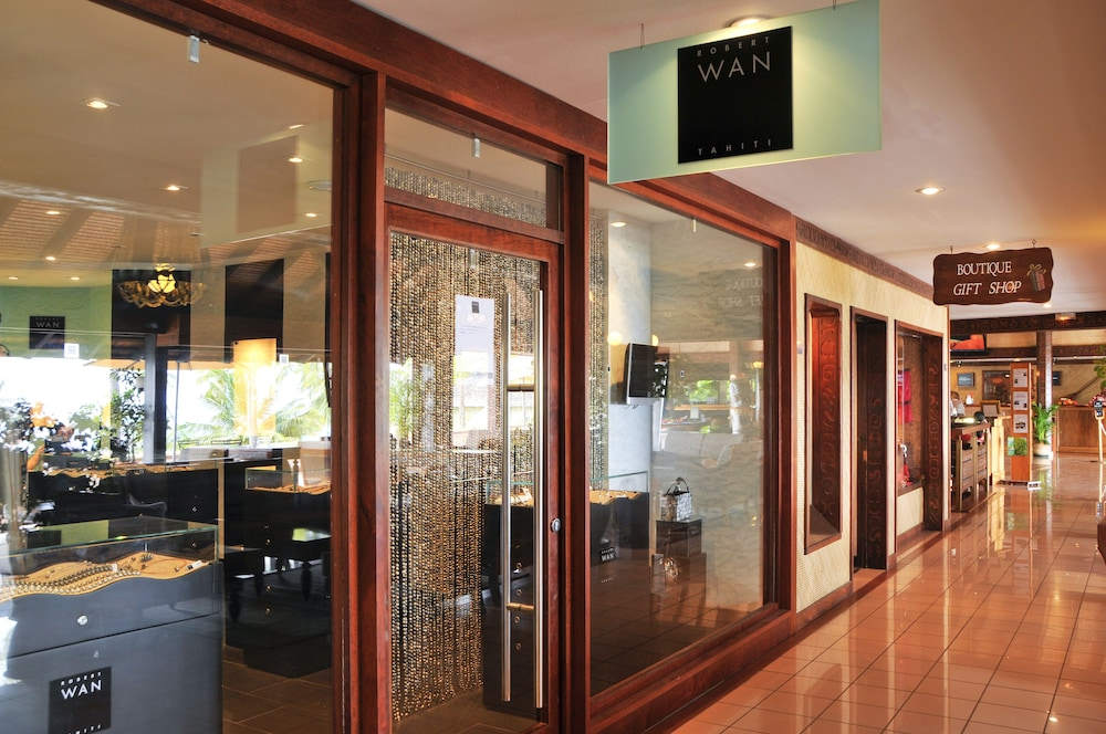 Designer store, InterContinental Resort Tahiti