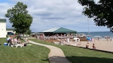 Tawas Bay Beach Resort - East Tawas Hotels