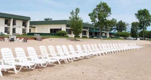 Tawas Bay Beach Resort