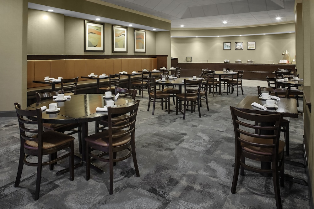 Breakfast Meal, Holiday Inn Hotel & Suites Boston - Peabody, an IHG Hotel