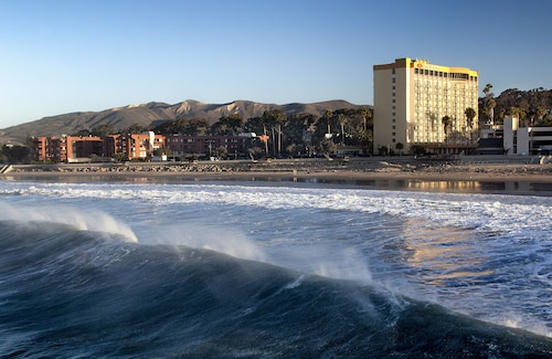 Crowne Plaza Ventura Beach