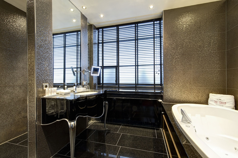 Bathroom,  The Pavilions Amsterdam, The Toren
