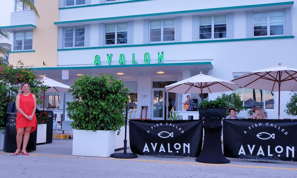 Restaurant, Avalon Hotel