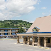 Days Inn by Wyndham Staunton