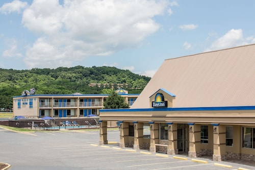 Check Expedia for Availability of Days Inn by Wyndham Staunton
