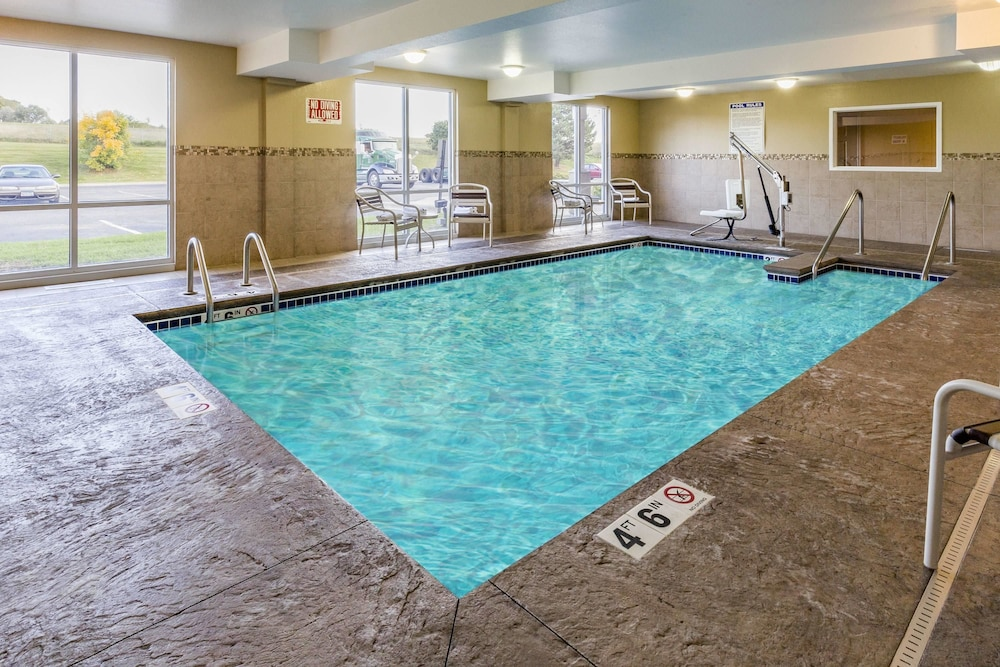 Pool, AmericInn by Wyndham Burnsville