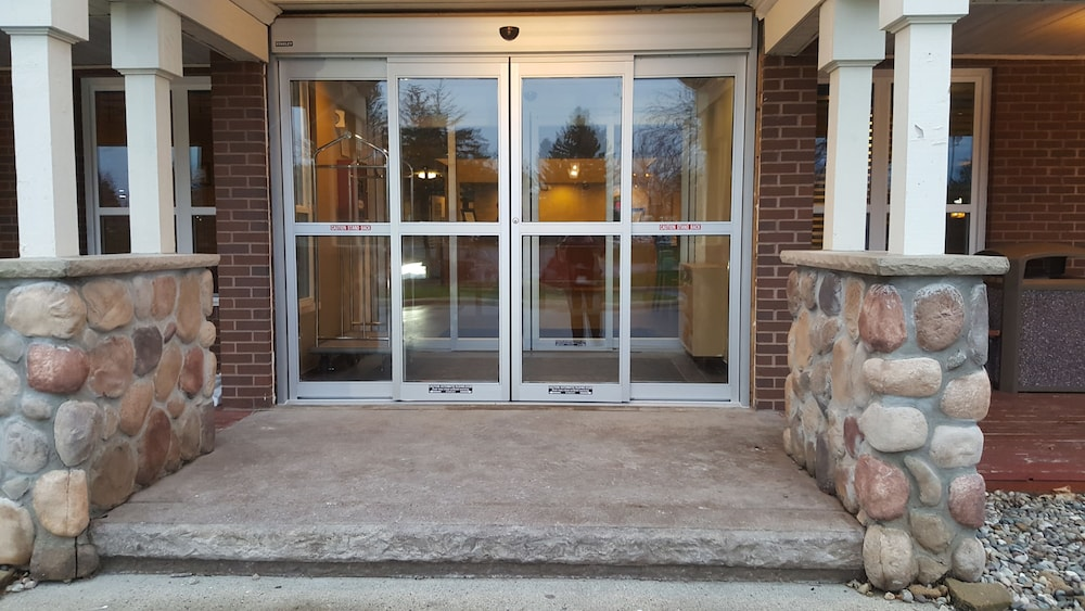 Property Entrance, AmericInn by Wyndham Burnsville