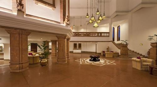 트리덴트 힐튼 호텔