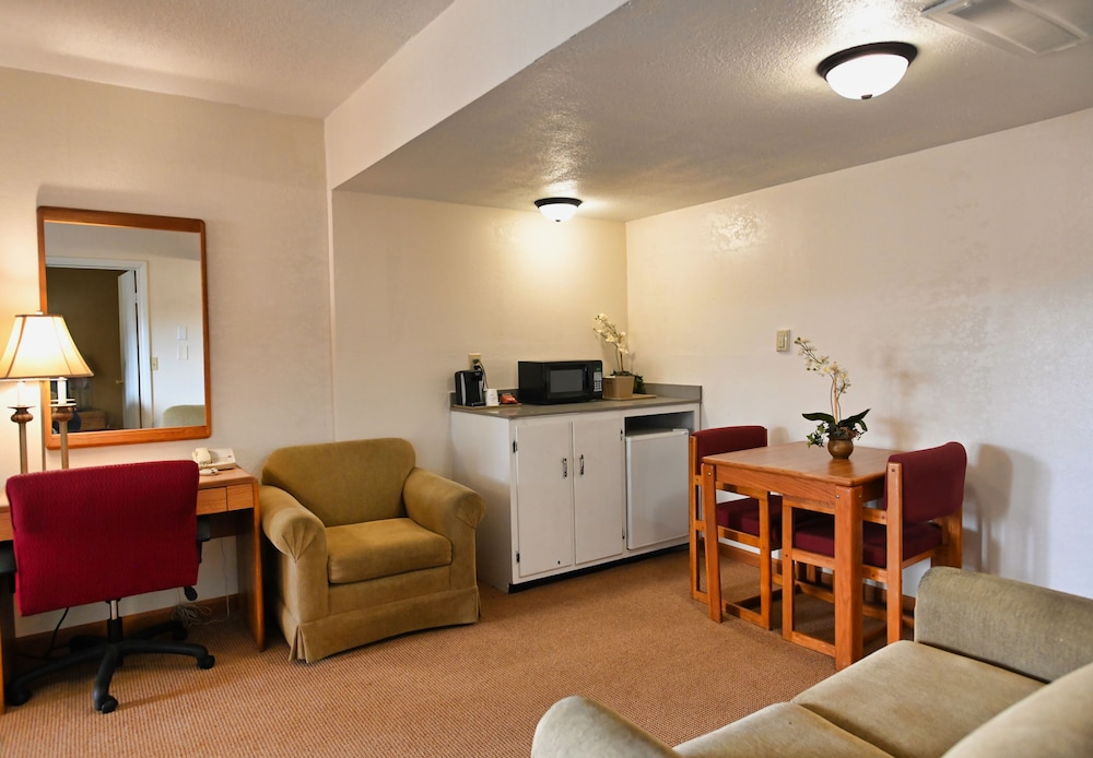 Living Area, Campus Inn