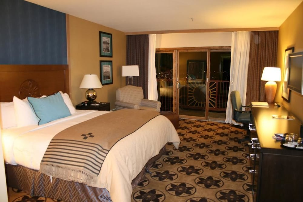 Room, Prescott Resort