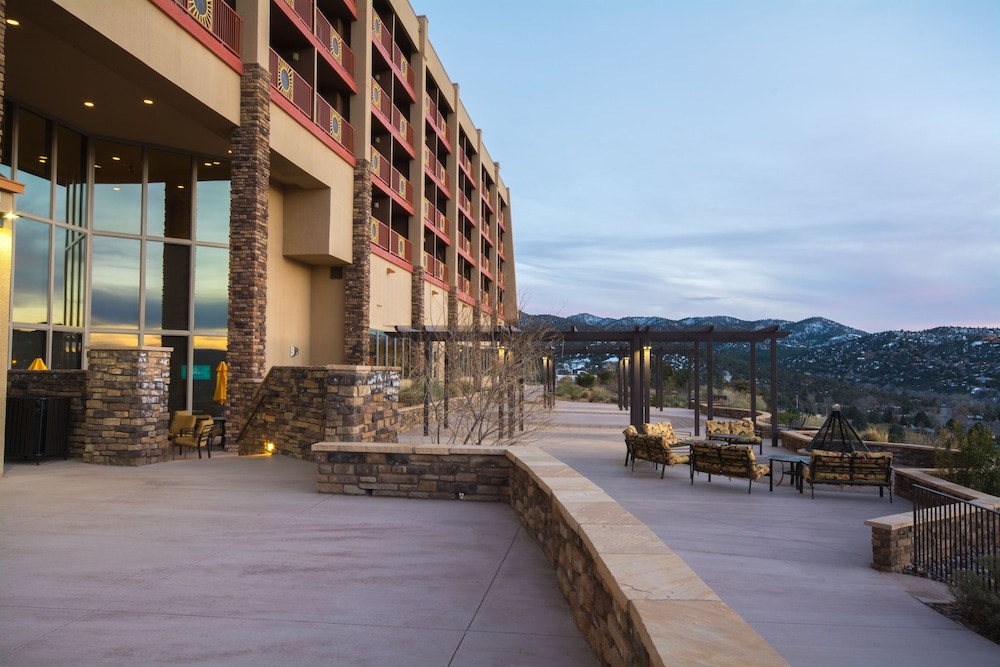 Property Grounds, Prescott Resort