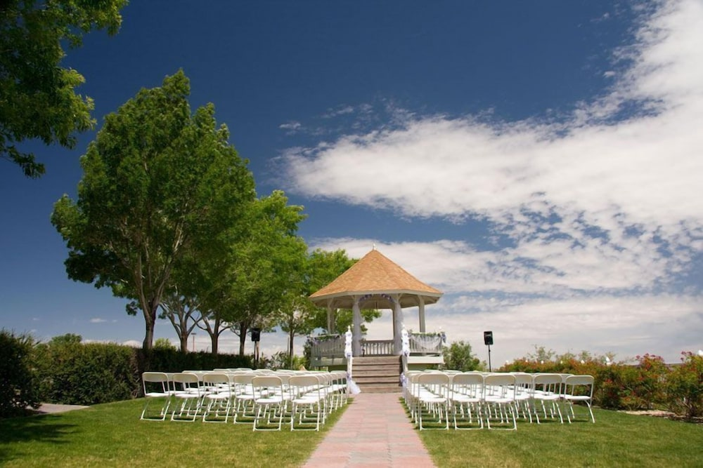 Outdoor Wedding Area, Prescott Resort
