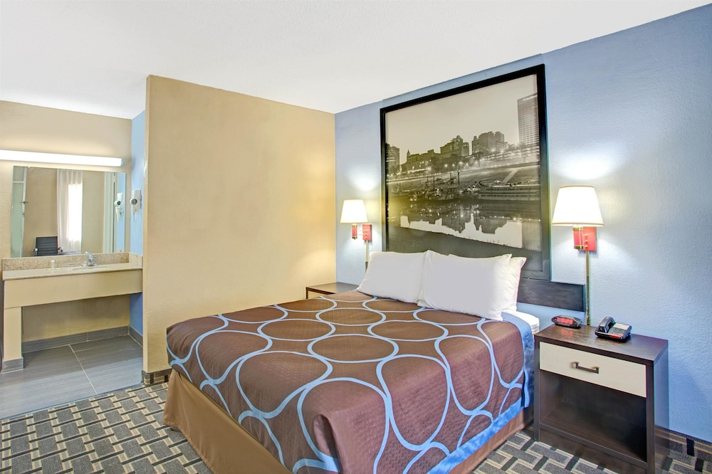 Room, Super 8 by Wyndham Memphis/Dwtn/Graceland Area