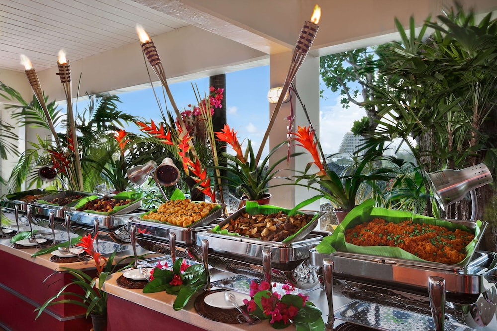 Restaurant, Hilton Guam Resort And Spa