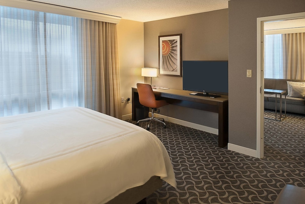 Room, Marriott St. Louis Airport