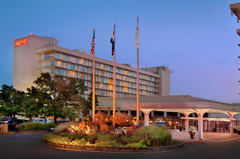 Exterior, Marriott St. Louis Airport