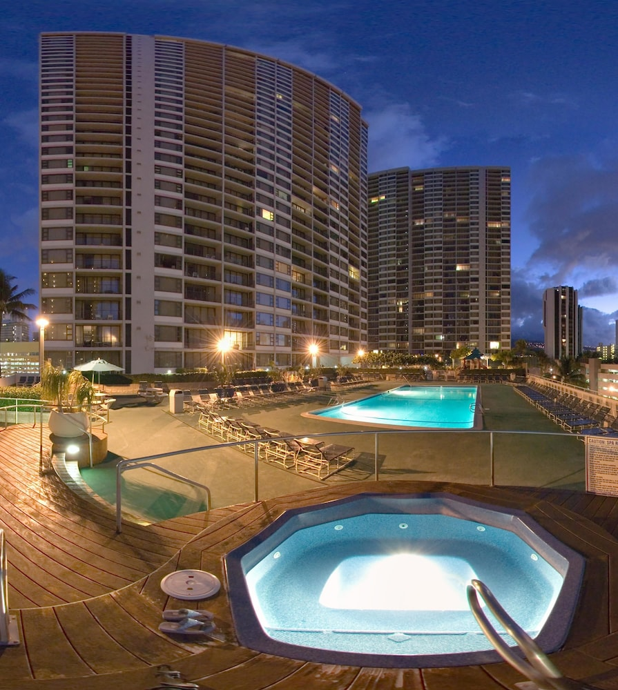 Pool, Aston at the Waikiki Banyan