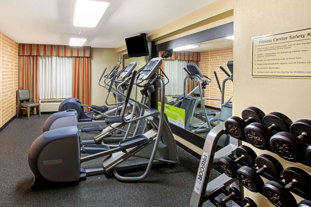 Fitness Facility, La Quinta Inn & Suites by Wyndham Williamsburg Historic Area
