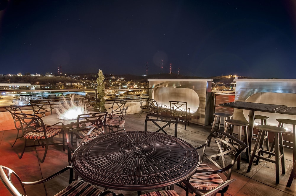 Rooftop terrace, Hotel Alex Johnson Rapid City, Curio Collection by Hilton