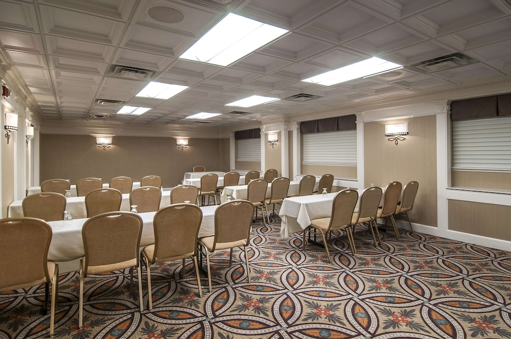 Meeting Facility, Hotel Alex Johnson Rapid City, Curio Collection by Hilton