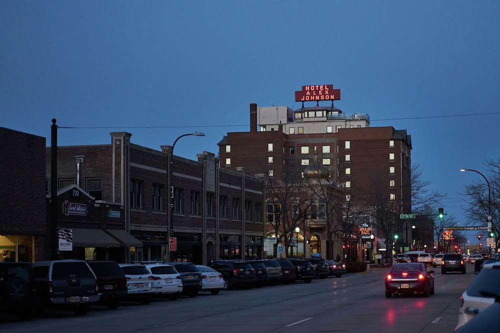 Exterior, Hotel Alex Johnson Rapid City, Curio Collection by Hilton