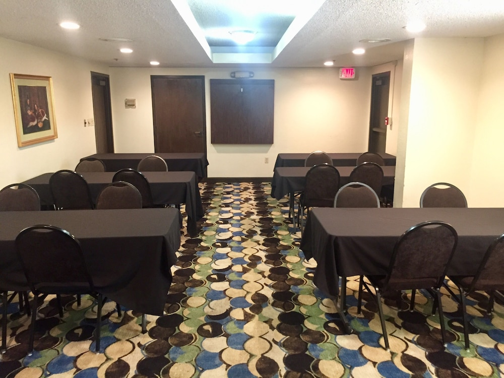 Meeting Facility, Jonesboro Inn and Suites