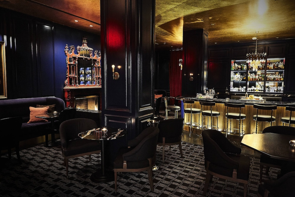 Bar, The Adolphus, Autograph Collection