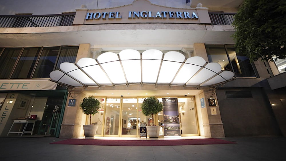Front of Property - Evening/Night, Inglaterra Hotel