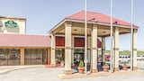 La Quinta Inn & Suites Wichita Airport - Wichita Hotels