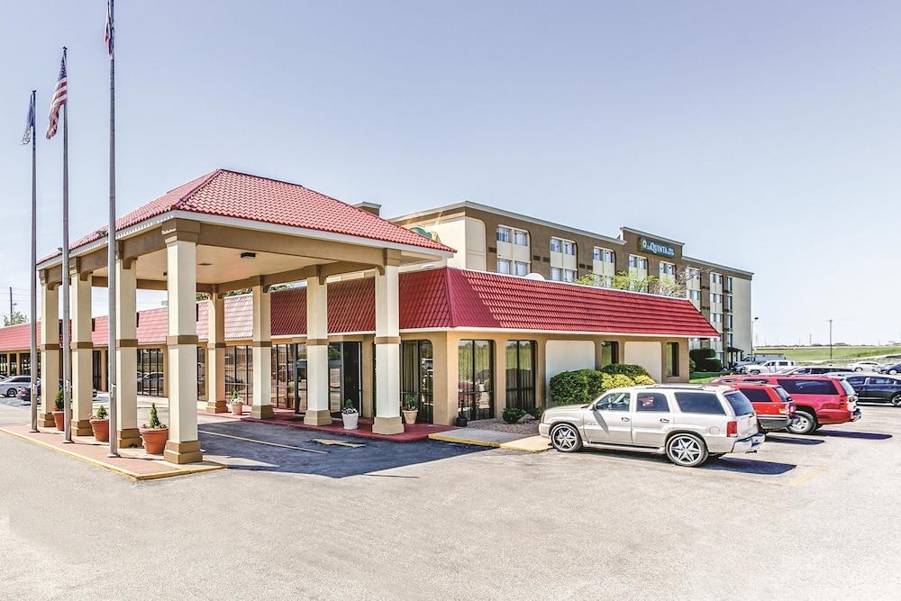 Clarion Hotel  U0026 Suites  2019 Room Prices  71  Deals