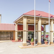 La Quinta Inn & Suites Wichita Airport
