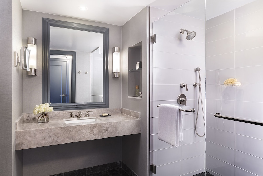 Bathroom, Four Seasons Hotel Atlanta