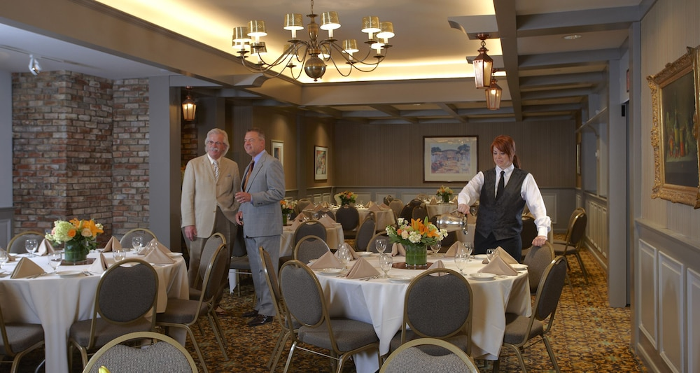 Banquet Hall, Best Western Plus The Normandy Inn & Suites