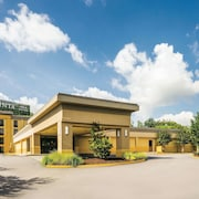 La Quinta Inn & Suites by Wyndham Baltimore S. Glen Burnie