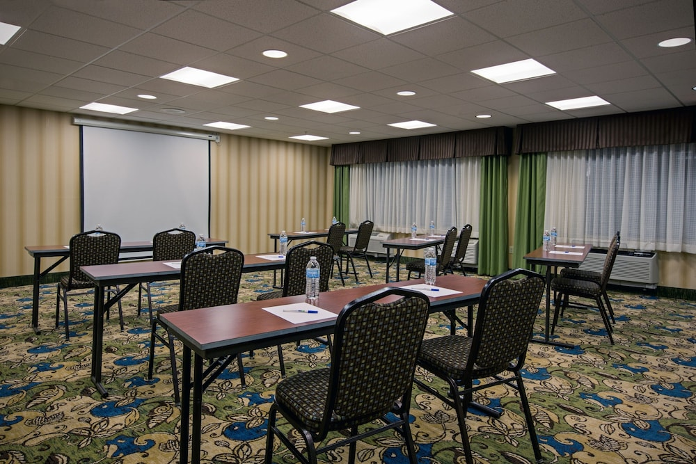 Meeting Facility, Holiday Inn Express Meadville (I-79 Exit 147a), an IHG Hotel