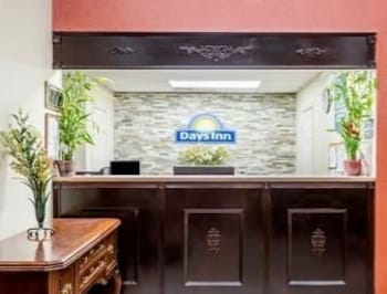 Days Inn Hendersonville Nc Deals Reviews Hendersonville