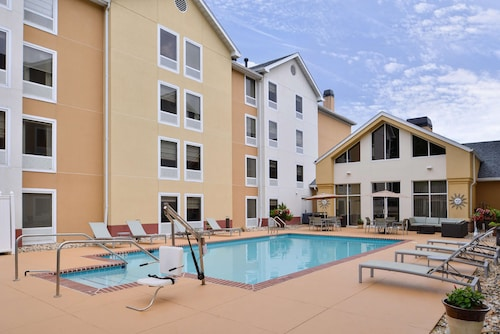 Hampton Inn & Suites Newport News-Arpt-Oyster Pt